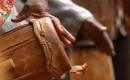 Il tape sur des bambous - Karaoké Instrumental - Philippe Lavil - Playback MP3