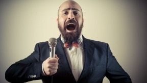 5 chansons connues que vous ne chantez surement pas correctement