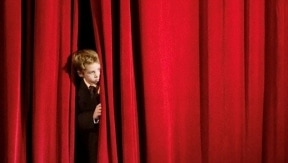 5 tips to overcome karaoke stage fright